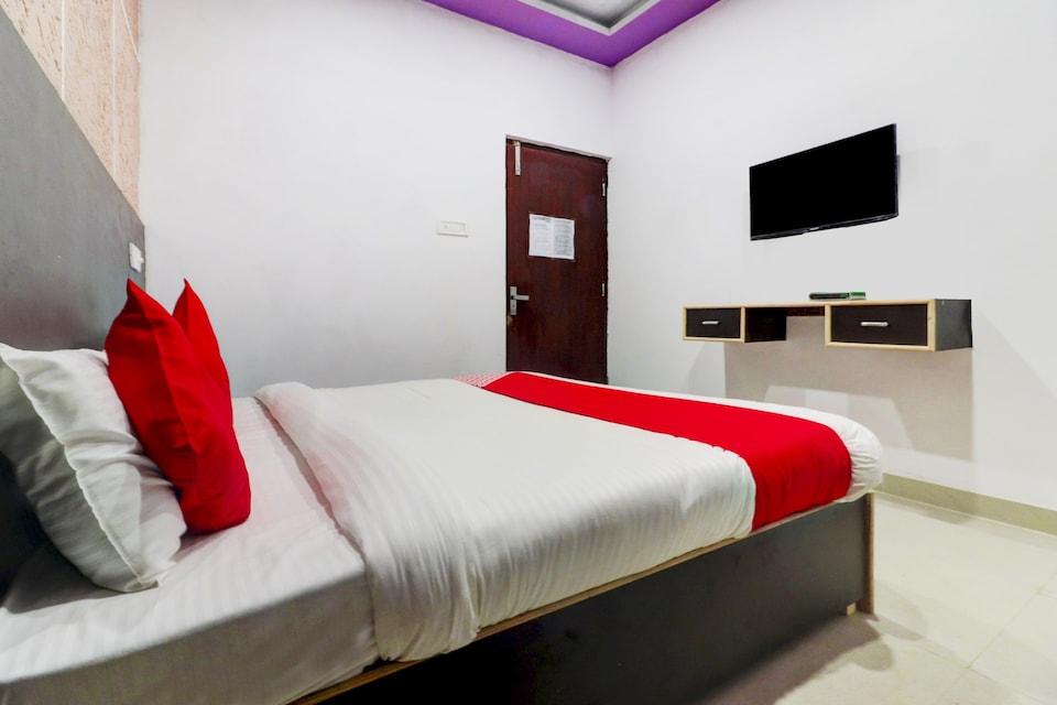 OYO 76841 Hotel Happy Stay, Aligarh, Aligarh