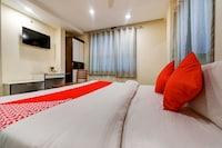 OYO 76850 Hotel Rashika Palace