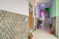 SPOT ON DEL2861 Shagun Palace
