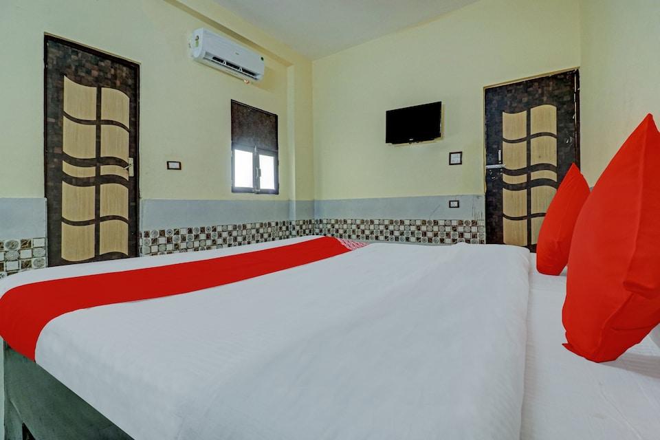 OYO 76879 Hotel Sudama Dham Inn