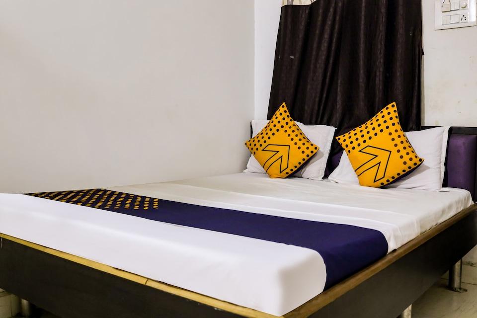 SPOT ON 76885 Hotel Gurjar Inn