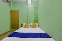 SPOT ON KNU070 Sangamam Rest Inn
