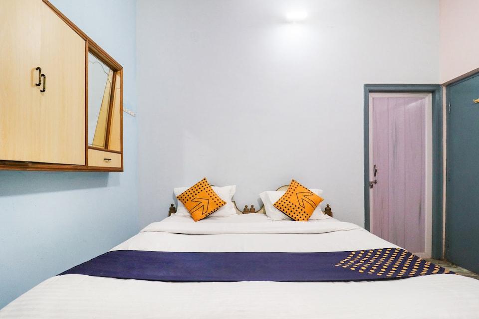 SPOT ON 76937 River Pg House, Lanka, Varanasi