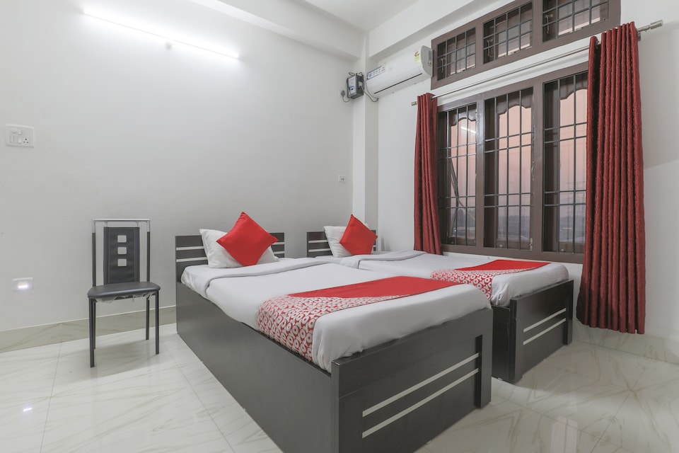 OYO 76942 Grand Eastern Residency