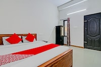 OYO 76956 Eden Tourist Home