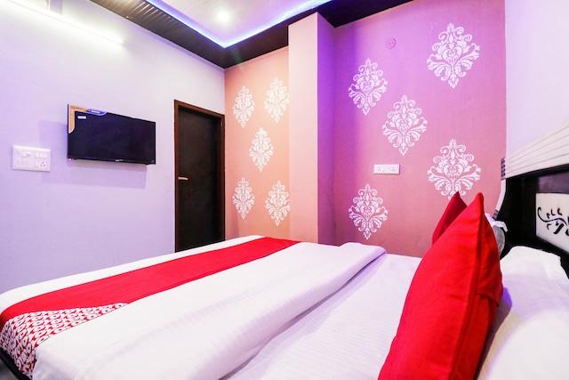 OYO RTK109 Star Hotel & Restaurant