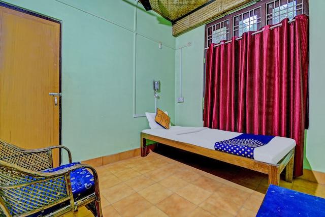 SPOT ON 76965 Ashrayaa Prakreeti