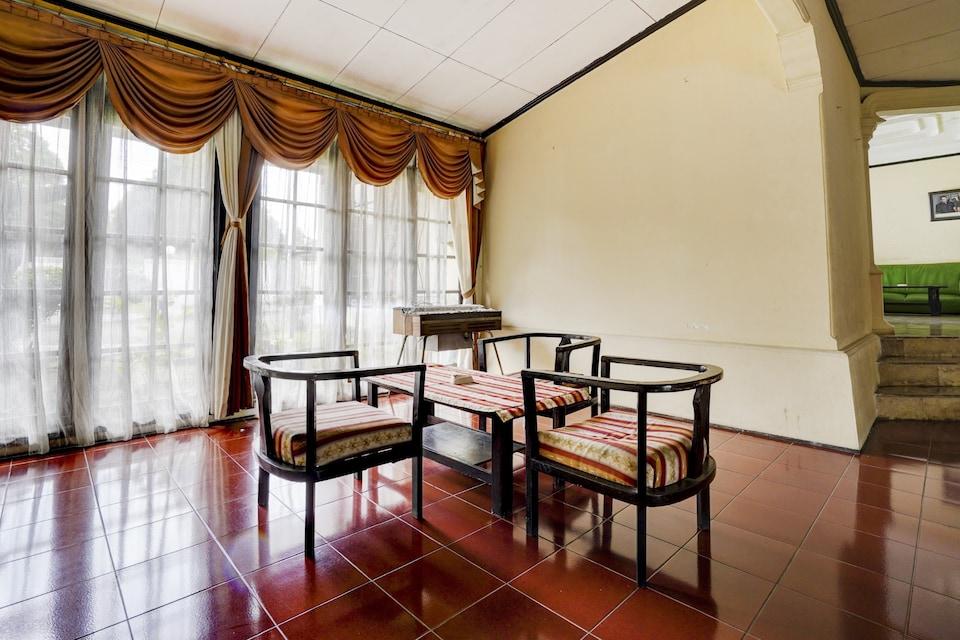 OYO 90127 Hotel Mataram Cianjur