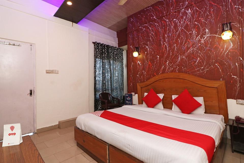 OYO Flagship 76986 Aakhya Residency