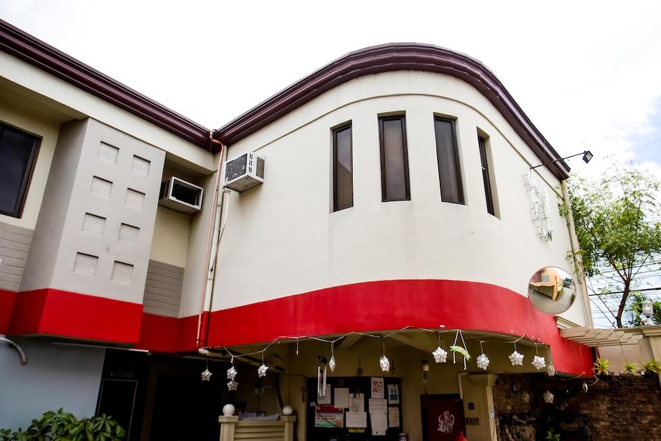 OYO 721 Silks Inn, Angeles, Pampanga