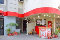 OYO 721 Silks Inn