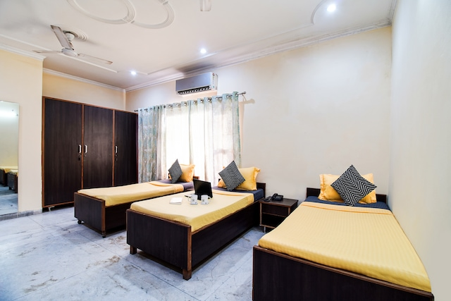 OYO Flagship 77045 New Sunshine Hotel