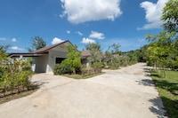 OYO 75378 Thawapee Resort