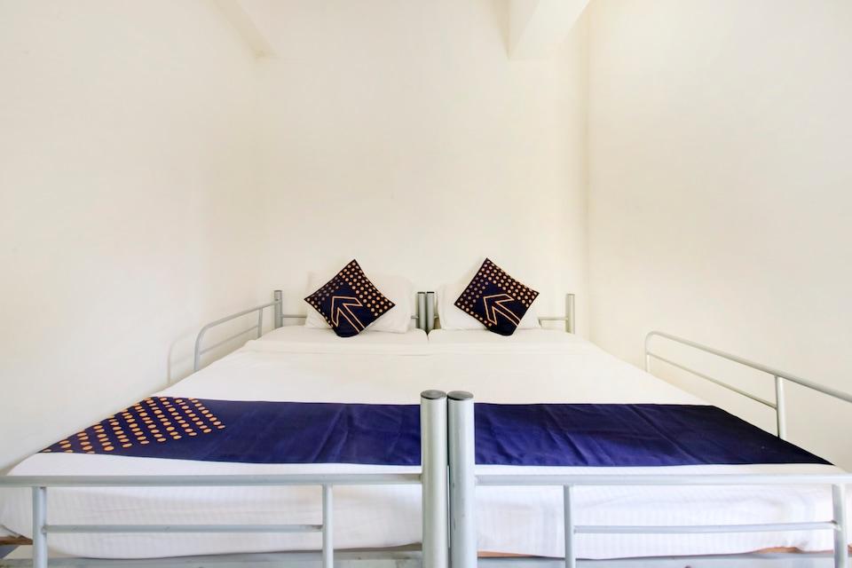 SPOT ON 77078 Om Ganesh Saavi Guest House