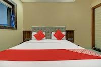 OYO MUM2055 Hotel Golden Crown