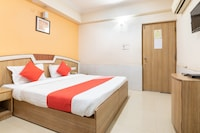 OYO Flagship 77088 Srinidhi Residency
