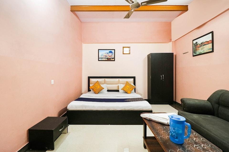 SPOT ON 77097 H R Paying Guest House , Godowlia, Varanasi