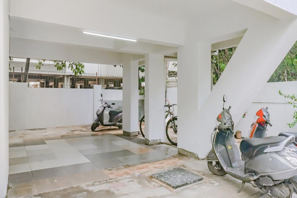 Capital O 77100 Pacific Inn, Baner Pune, Pune