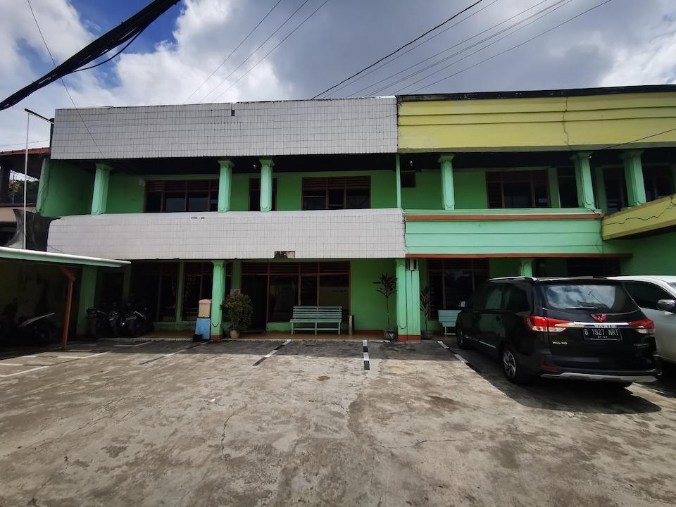 OYO 90136 Hotel Bone Indah
