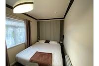 OYO Victoria Luxury Apartments