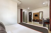 Collection O 77123 Emza Residency