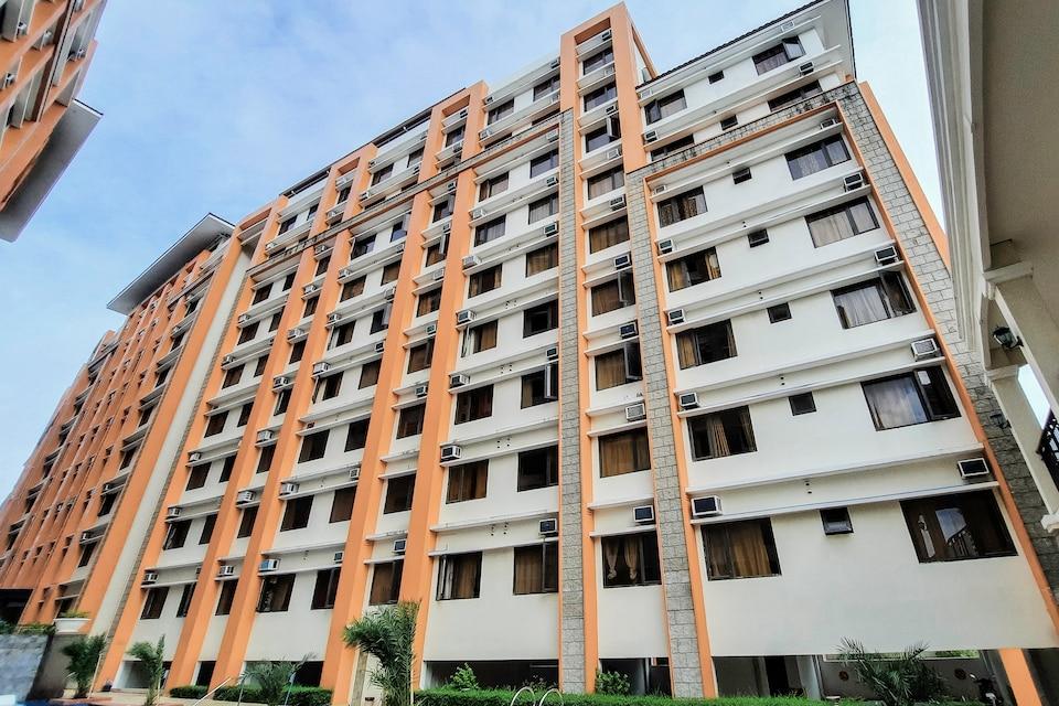 OYO 724 Paseo Verde At Real Condominium