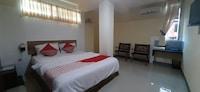 OYO 90158 Hotel Lendosis Perintis Kemerdekaan