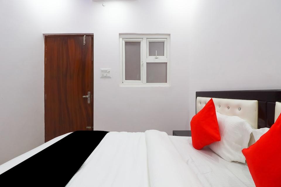 Collection O 77232 A One Inn
