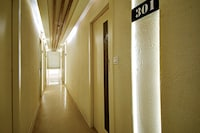 Capital O 77274 Hotel Snowfox