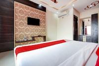 OYO 77293 Hotel Romsan