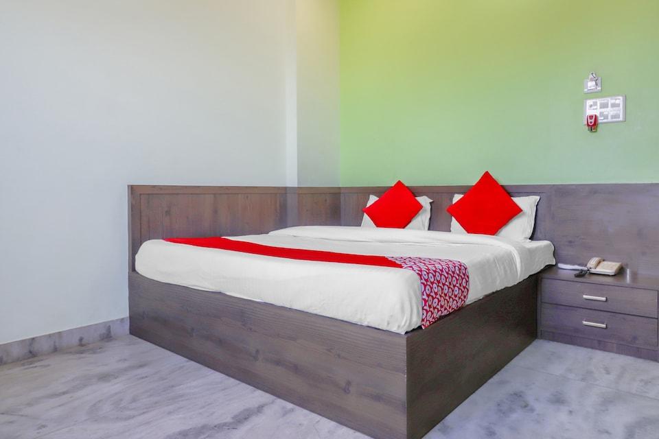 OYO 77329 Hotel Chandra Garden , Mathura, Mathura
