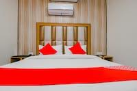 OYO JAL138 Hotel White Western