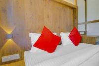 OYO 77349 Hotel Super 7 Inn