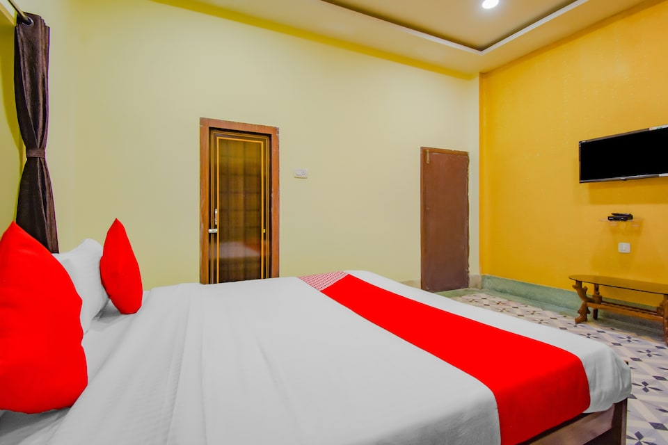 OYO 77388 Golden Imperial, Gariahat Kolkata, Kolkata