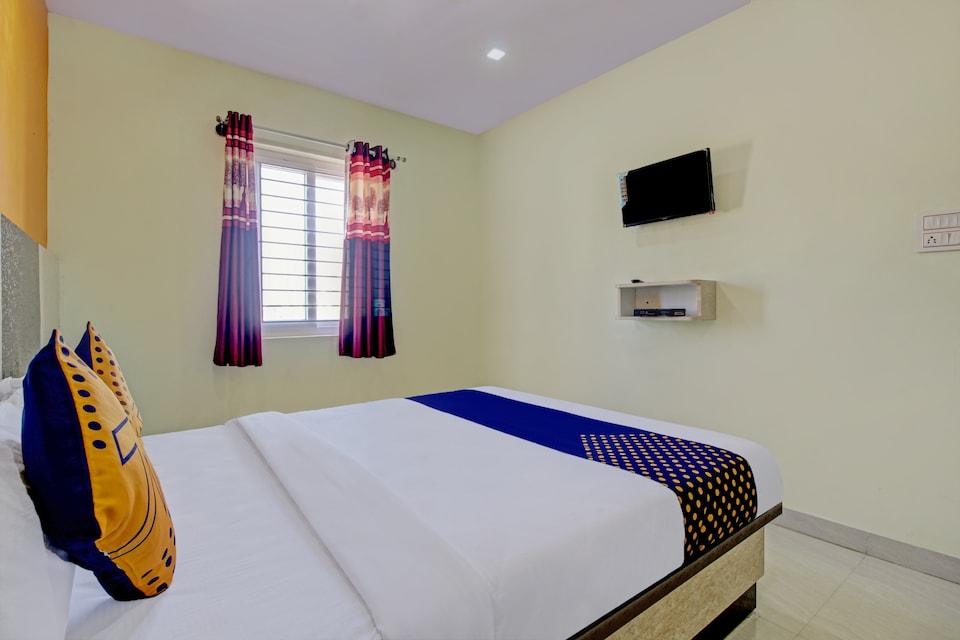 SPOT ON 77398 Shree Srinivasa Residency