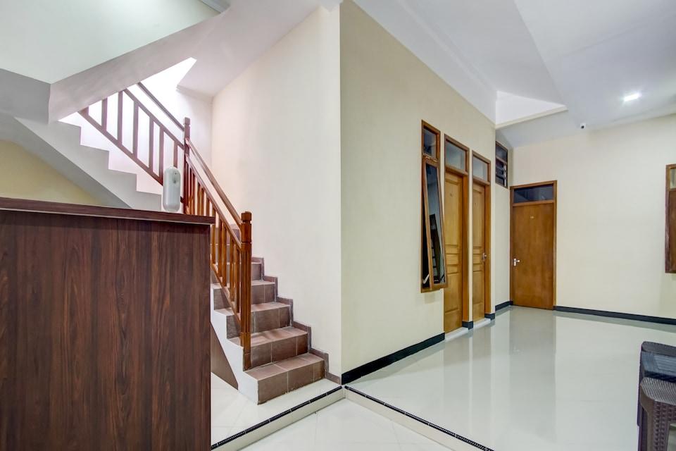 OYO 90175 Tl Guest House, Batu, Batu