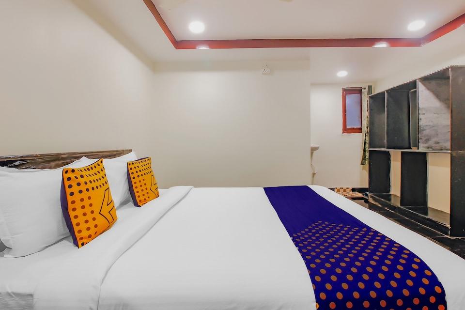 SPOT ON WAR036 Hotel Grand Inn, Nakkalagutta Hanamkonda Warangal, Warangal