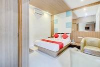 OYO 77430 Hiland Suites