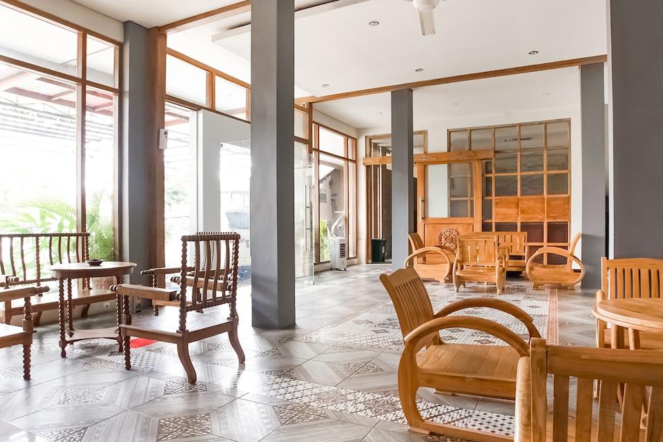 OYO 90182 Blok O International Guest House, Umbulharjo, Yogyakarta