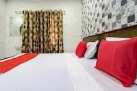 OYO 77454 Hotel Prince Palace