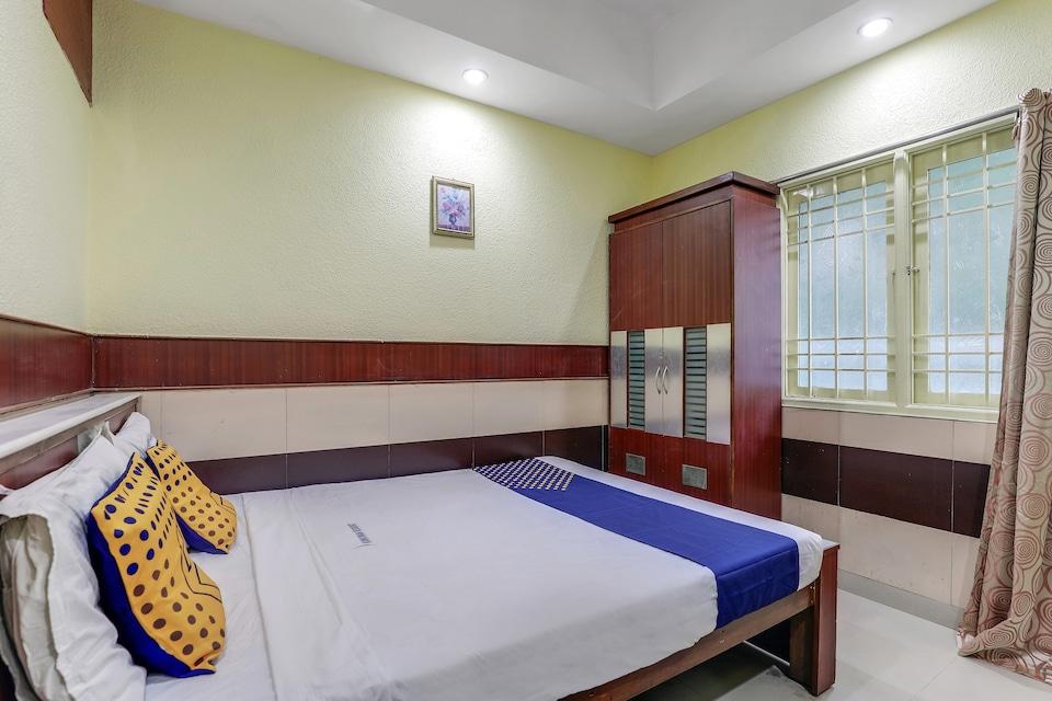 SPOT ON 77468 Kunkumam Residency