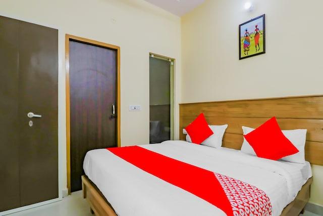 OYO 77472 Hotel Krishna