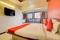 OYO 77484 Hotel Saroj