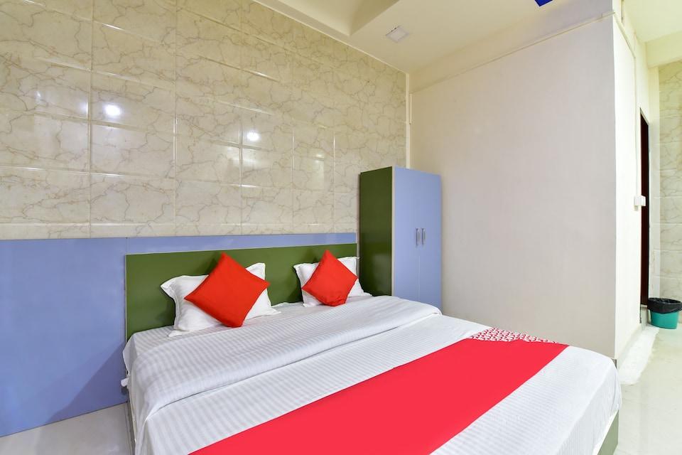 OYO 77500 Hotel Ballantine