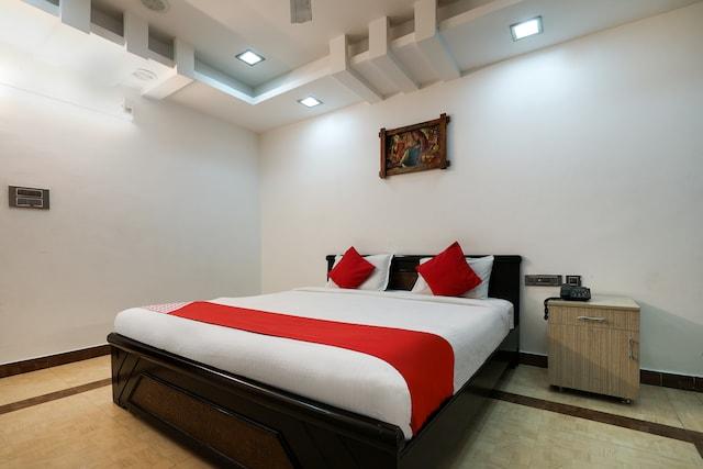OYO 986 Hotel Akhand Homes