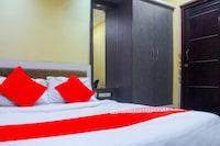 OYO 77570 Hotel Smile Inn