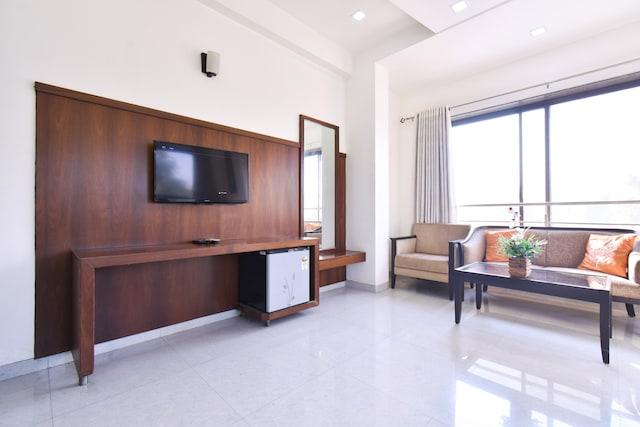 OYO Home 77584 Hotel Sai Shubham