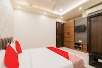 OYO 77595 Ashiyana Residency