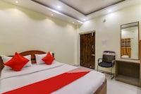 OYO 77618 Hotel Paradise Inn