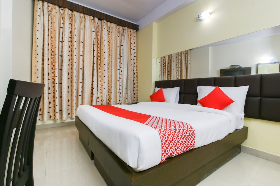 OYO Flagship 77628 Hotel Kanha Classic, Mall Road Kanpur, Kanpur